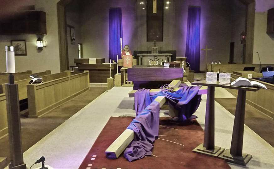 Photo of St. Casimir Church altar decorated for Lent.